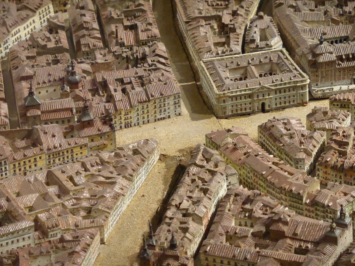 Le n gil de palacio wikipedia la enciclopedia libre for Puerta del sol gran via