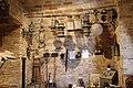 Lampade antiche e altri attrezzi, sala museo.jpg