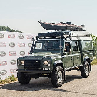 Land Rover Defender - Fully equipped Land Rover Defender 130 TD4
