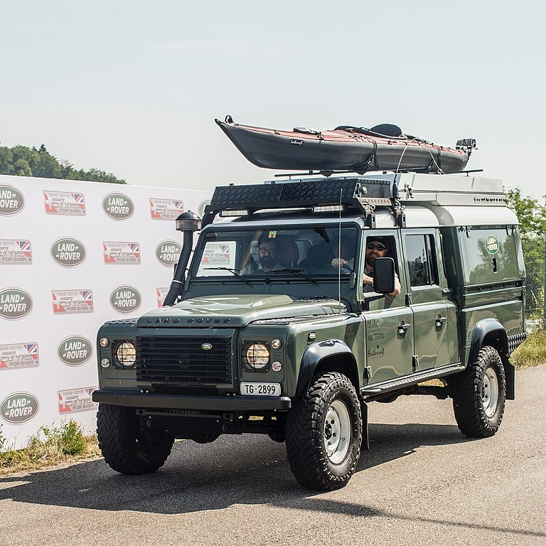 File Land Rover Defender 130 Expedition Jpg Wikimedia