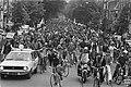 Landelijke fietsdemonstratie in Amsterdam fietsers op de Korengracht, Bestanddeelnr 929-2095.jpg