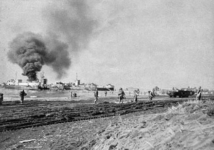 US Army troops landing at Anzio during Operation Shingle, late January 1944. Landing at Anzio.jpg