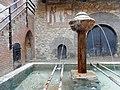 Lavatoio e fontana del Borgo.jpg