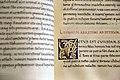 Leonardo bruni, dialogi ad petrum paulum histrum, firenze 1450-75 ca. (bml, pluteo 52.3) 02 iniziale V.jpg