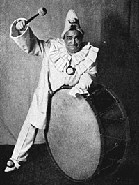 Leoncavallo - Pagliacci - Enrico Caruso as Canio - Mishkin - The Victrola book of the opera.jpg