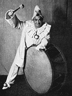 Leoncavallo - Pagliacci - Enrico Caruso as Canio - Mishkin - The Victrola book of the opera.jpg