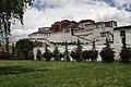 Lhasa-Potala-02-Suedseite-2014-gje.jpg
