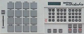 LinnDrum Midistudio - Image: Linn Drum Midistudio control panel 300dpi