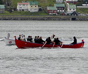 Lomur and Riddarin Rowing Competition Eystanstevna 2012.jpg