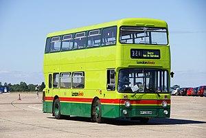 Londonlinks bus AN264 (KPJ 264W), 2010 North Weald bus rally.jpg