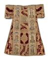 MCC-39546 Rode dalmatiek met aanbidding der koningen, besnijdenis en opdracht in de tempel en heiligen (2).tif