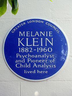 Photo of Melanie Klein blue plaque