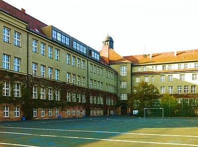 MGN Schulhof.jpg