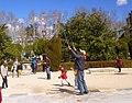 Madrid - Plaza de Oriente, artista de pompas de jabón.jpg