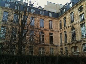 Maison européenne de la photographie - External view of the Hôtel Hénault de Cantobre
