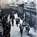 Manifestación radical Av Alvear Aniversario R90 Caras y Caretas 1901.jpg