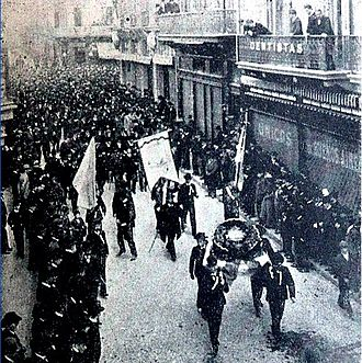 1862–1910 Argentine presidential elections - The UCR in a 1901 demonstration. Their persevering activism for free and fair elections helped result in the landmark Sáenz Peña Law of 1912.