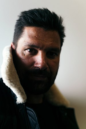 Manu Bennett - Bennett at MCM London Comic Con, 2017