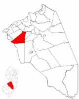 Mount Laurel highlighted in Burlington County. Inset map: Burlington County highlighted in the State of New Jersey.