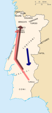 Mapa evidenciando as tribos principais pré-românicas e a sua migração. Turdoros a vermelho, Célticos a castanho, e Lusitanos a azul. Os nomes das tribos estão em Latim.