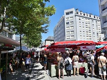 Marché de Chambéry samedi 5 août 2017 matin 2.JPG