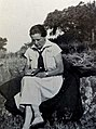 Marguerite Walther en tenue.jpg