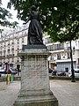 Maria Deraismes, square des Épinettes (9432440909).jpg
