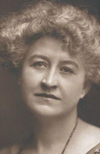 Maude Turner Gordon - circa 1910