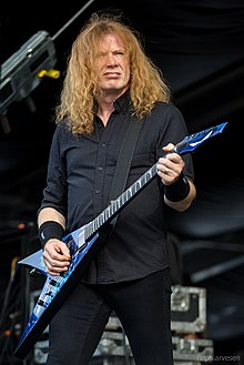 Mustaine performing in 2016
