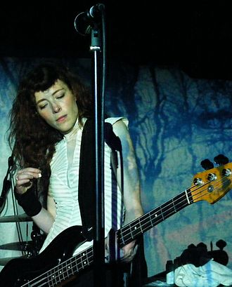 The Smashing Pumpkins - Bassist Melissa Auf der Maur joined after Wretzky's departure in 1999