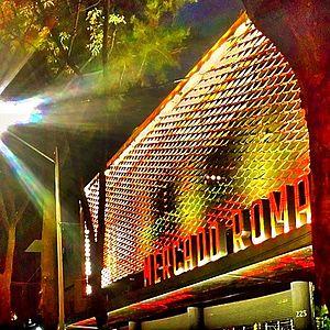 Mercado Roma - Entrance to Mercado Roma at night