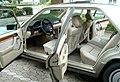 Mercedes-benz-230E-Interieur.JPG