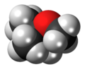 Methyl tert-butyl ether 3D spacefill.png