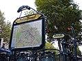 Metro Paris ligne 4 - Mouton - Duvernet - Entree.jpg