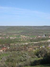Mihăeşti, Argeş, general view from the western slope.JPG