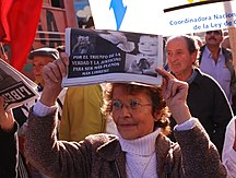 Uruguay-Dictature militaire-Militante en acto contra Ley de Caducidad