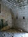 Molières (24) château donjon intérieur (1).jpg