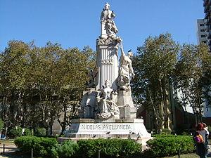 Avellaneda - Image: Monumento Nicolas Avellaneda