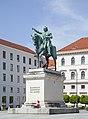 Monumento a Maximiliano I, Múnich, Alemania, 2012-04-30, DD 02.JPG