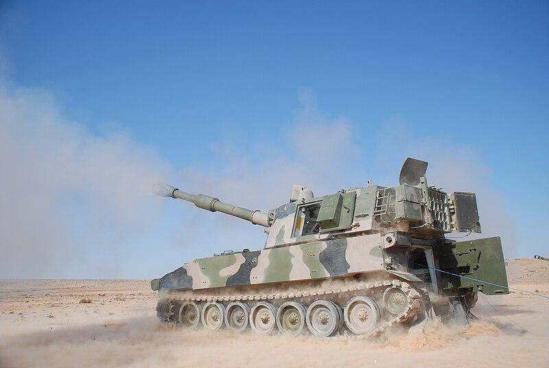 صور الجيش المغربي جديدة نوعا ما  - صفحة 2 800px-Moroccan_M109A5_howitzer%2C_2012-03