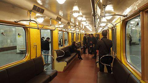 вагон метро фото