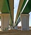 Most marii skłodowskiej wwa filary.jpg