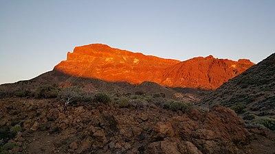 Mountain close to Teide on sunset.jpg
