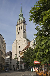 Munich - The Alter Peter tower - 7411.jpg