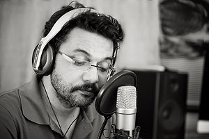 Neelesh Misra - Neelesh Misra during a recording of his poems Purane Khat.