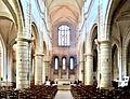 Nef de l'église saint Pierre.jpg