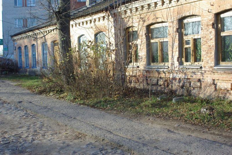 File:Nevel-zdanie XIX veka.jpg
