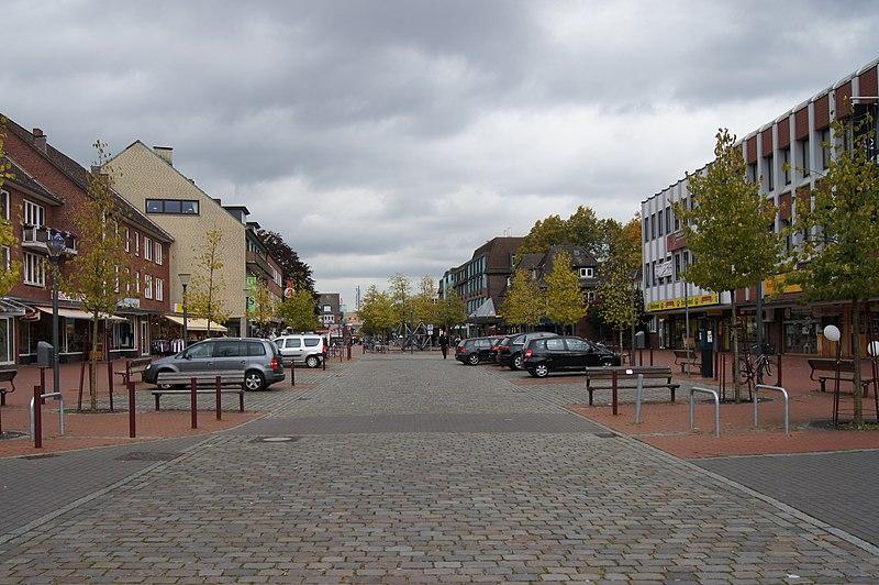 File:Niendoerp - Markt.jpg