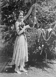 Norma shearer decorating tree.jpg