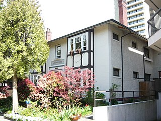 Normandie Apartments By Canadian2006 (Own work) [CC-BY-SA-3.0 (http://creativecommons.org/licenses/by-sa/3.0)], via Wikimedia Commons